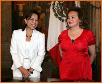 La Titular de la SEP, Josefina Vázquez Mota, y la Presidenta del Sindicato Nacional de Trabajadores de la Educación (SNTE),