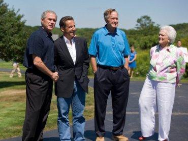 Sarkozy con la familia Bush