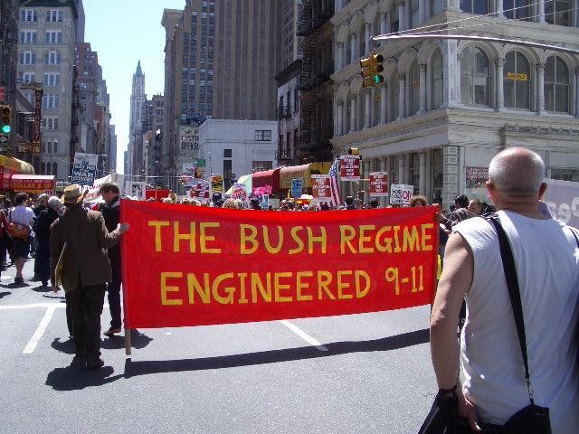 """""""El regimen de Bush ejecuto los atentados del 11-S"""""""
