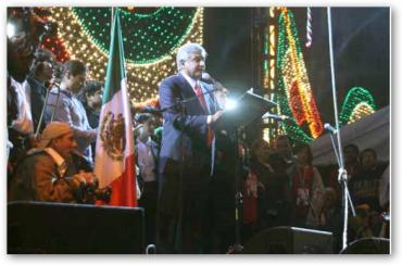 Discurso de López Obrador al encabezar ceremonia del Grito de Independencia, 15 sep. 2008