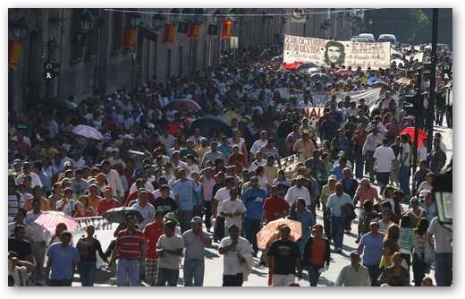 Varios contingentes arribaron al Zòcalo de la ciudad de México