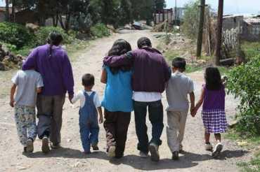 La vida de esta familia se ha transformado en un peregrinar en busca de alguna paz. Foto José Carlo González
