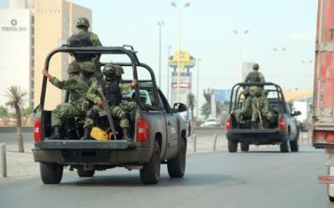 Militares patrullando las calles